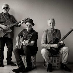 THE HORNETS - Mike Rudd, Jeff Burstin & Craig Horne